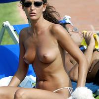 Beach Nude: Alessia Merz
