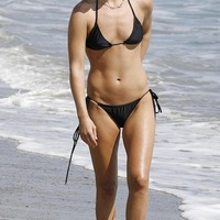 Beach Nude: Ali Larter