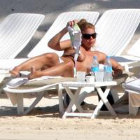 Beach Paparazzi: Billie Piper