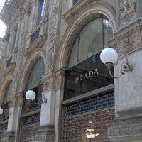 Több mint 1000 képet gyűjtöttek össze a Prada divatbemutatóiról