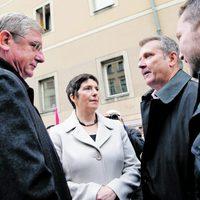 A DK és az MSZP kamu-aláírásgyűjtése