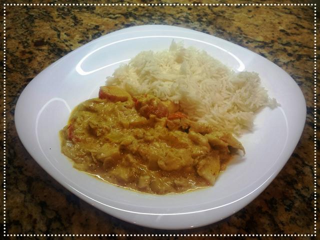 Kókusztejes hal curry rizzsel