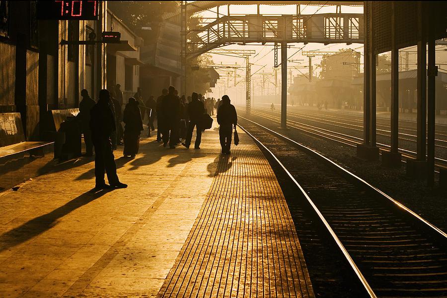 the-early-morning-commute-arindam-sen.jpg