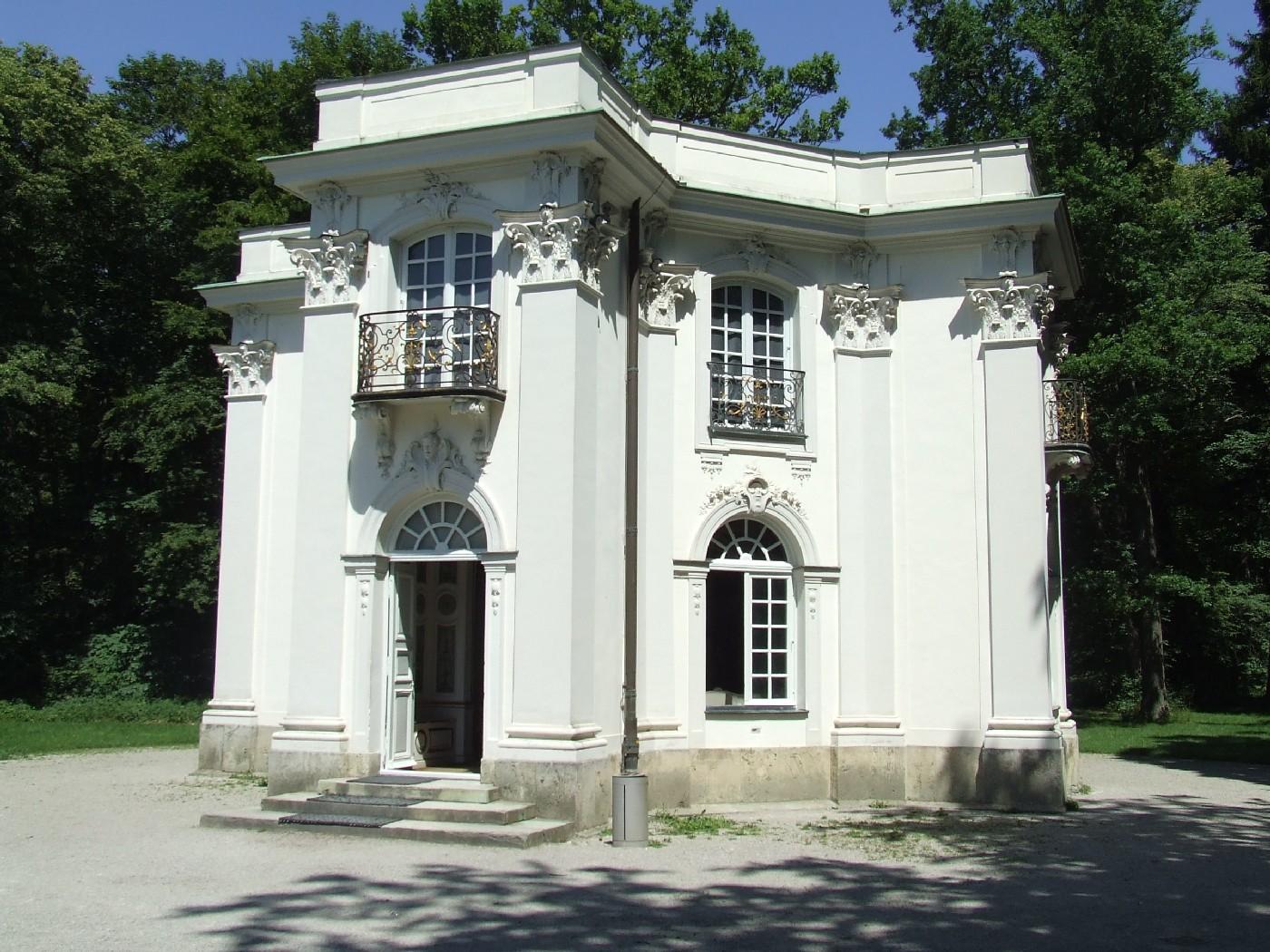 munchen_pagodenburg_joseph_effner_1716-19.JPG