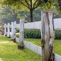 Drámai kérdés: kötelező-e kerítést építeni?