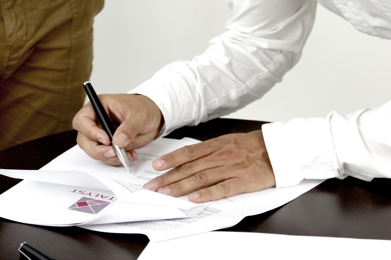 signature-2003808_1280.jpg