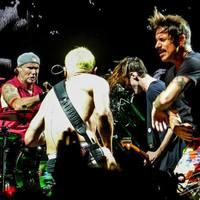 """""""Peace & Love"""" - Más nem számít! - Red Hot Chili Peppers koncertbeszámoló (szeptember 2.)"""