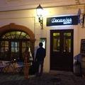 Decanter: egy remek borbár Veszprémben