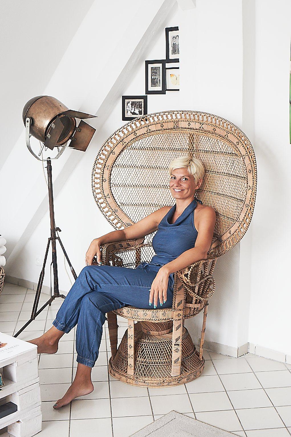 emanuelle_chair.jpg