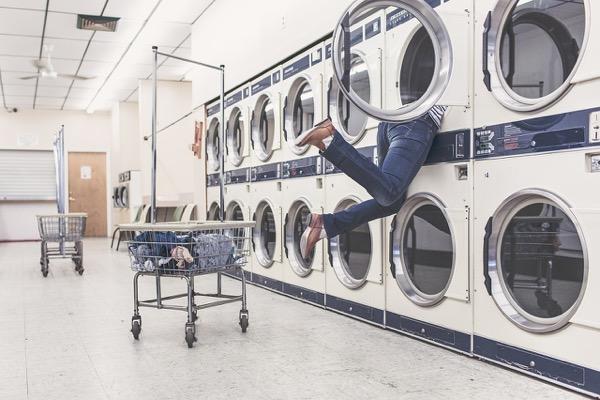 Ezért tűnnek el a zoknijaid a mosásban!