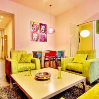 Szivárvány színű luxuslakás a hatodik kerületben!
