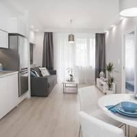 Ilyen fullos budai lakásban lakhat a Vízivárosban