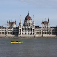 Itt hordják a pörköltet a Parlament külföldi vendégeinek