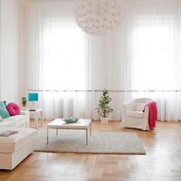Belvárosi kényelem és finom fehérség ebben a barátságos lakásban!