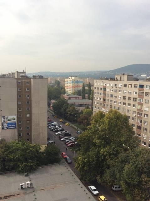 Panelben a város felett