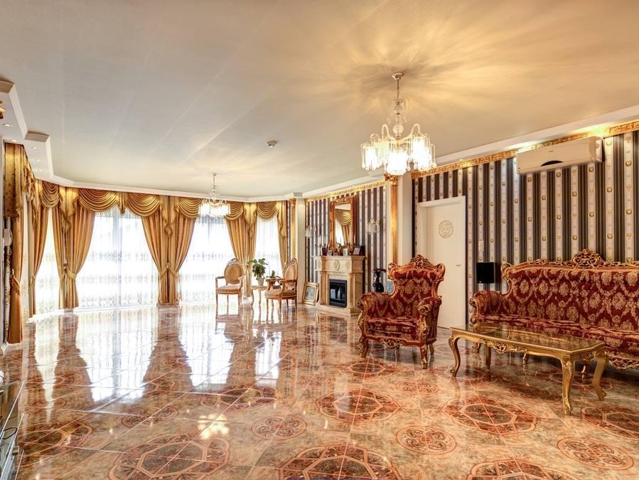 Fantasztikus Versace-ház Dunavarsányban