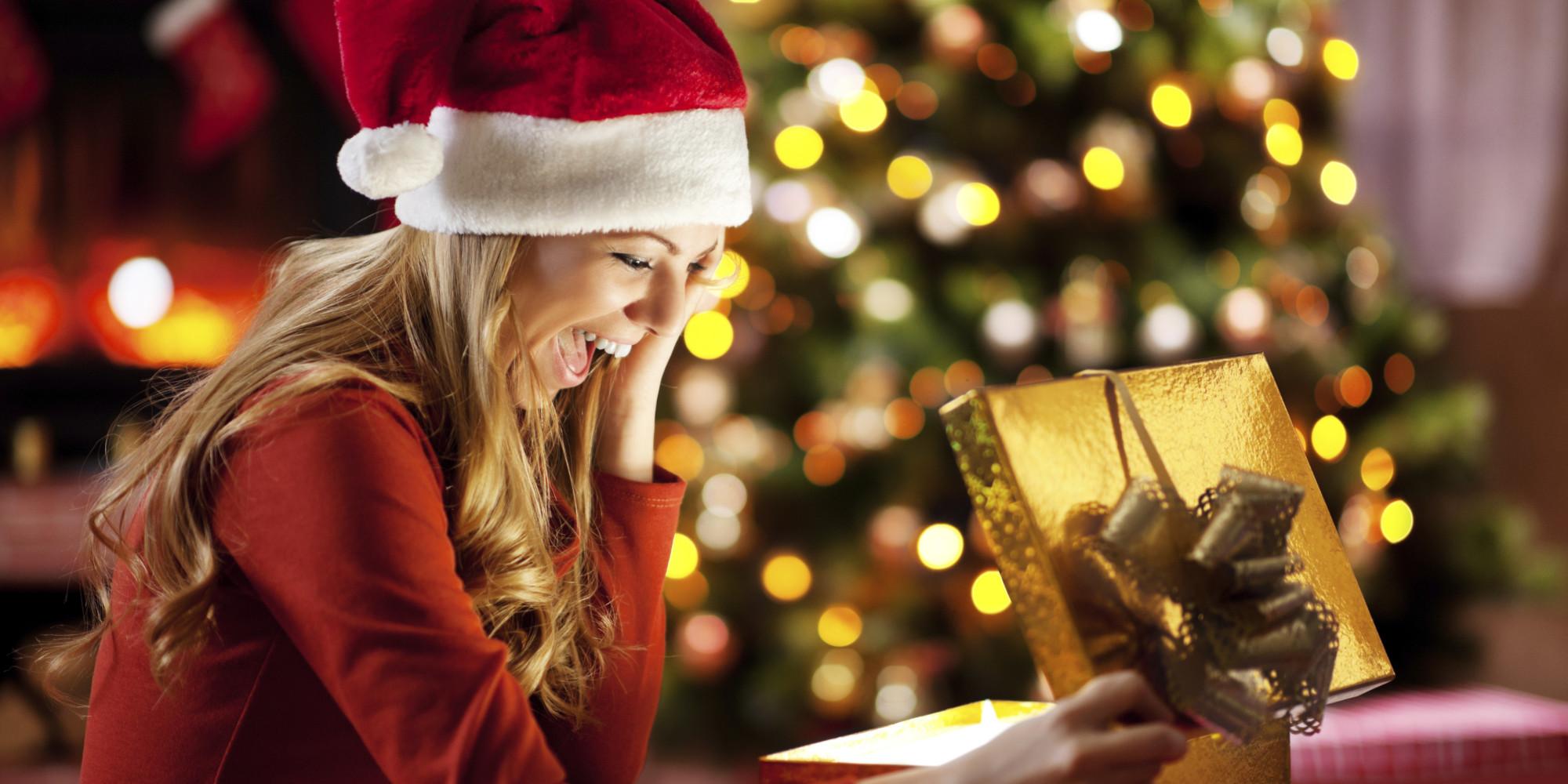 Adjunk, vagy ne adjunk, és főleg mit? - Karácsonyi ajándékozás lakótársakkal