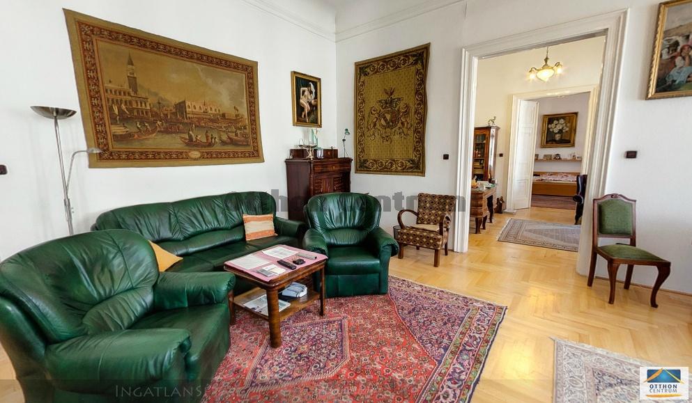 Egész emeleteket vesznek a kínaiak Budapesten