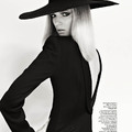 Napi kedvenc: Kalapos hölgy az orosz Vogue-ban