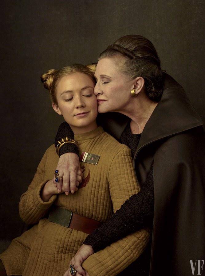 Carrie Fisher lánya, Billie Lourd ezúttal is felbukkan a filmben.