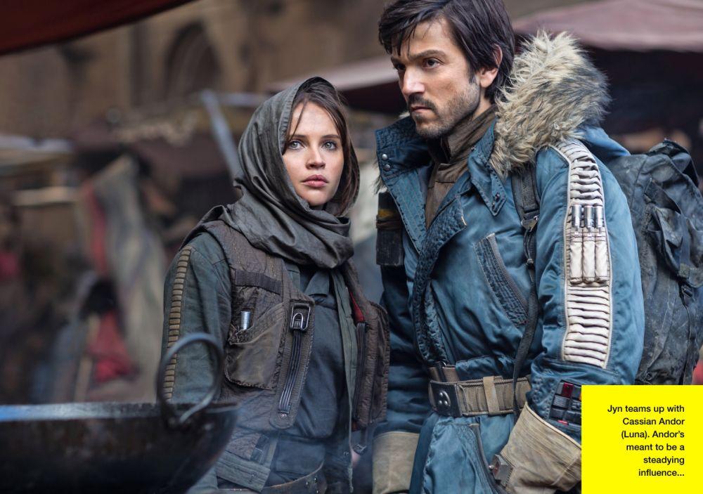 Közös küldetésen Jyn Erso (Felicity Jones) és Cassian Andor százados (Diego Luna) (forrás: Lucasfilm / Empire)