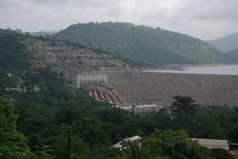 800px-akosombo_dam_hydroelectric_plant.jpg