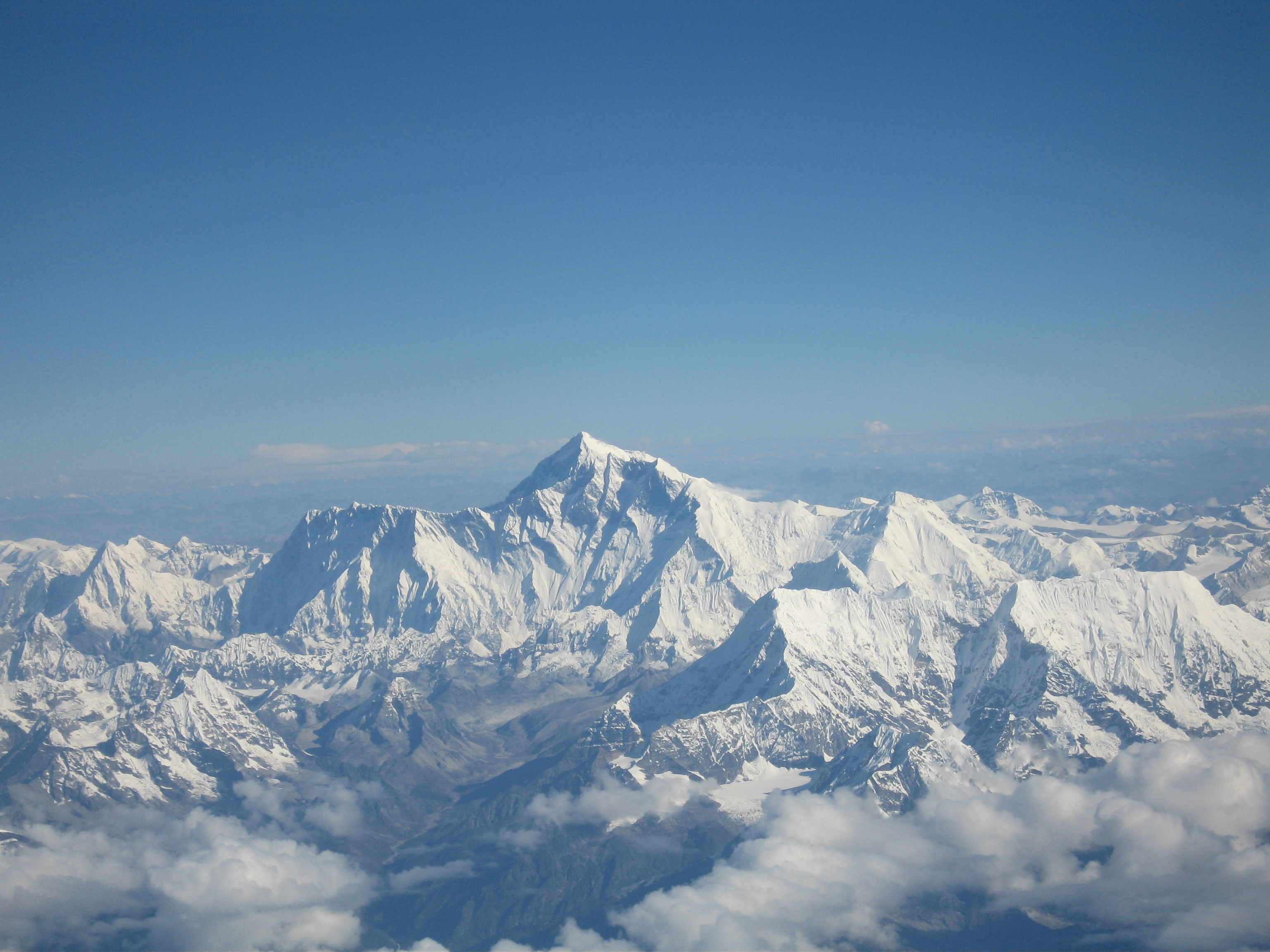 mount_everest_as_seen_from_drukair.jpg