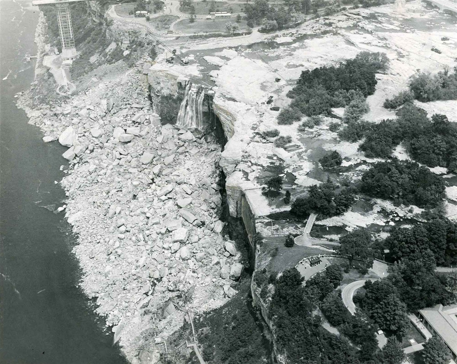 niagara_falls_without_water_1969_5.jpg