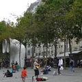 Párizst látni és... [V. Á.]
