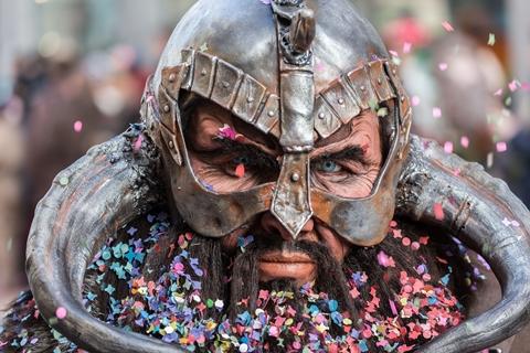carnival-787072_480.jpg