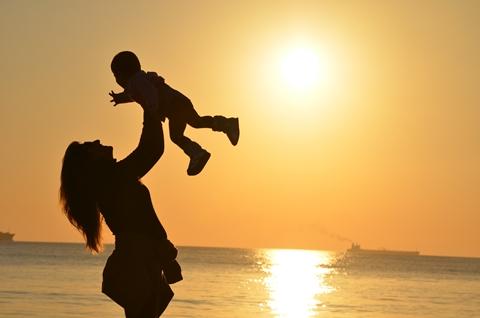 Egyedülálló anya megosztaná