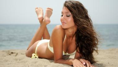 4 dolog, amit a napozás szerelmeseinek ajánlott fogyasztani!