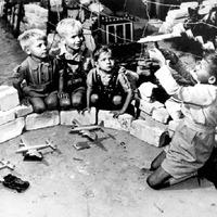 Mazsolabombázók