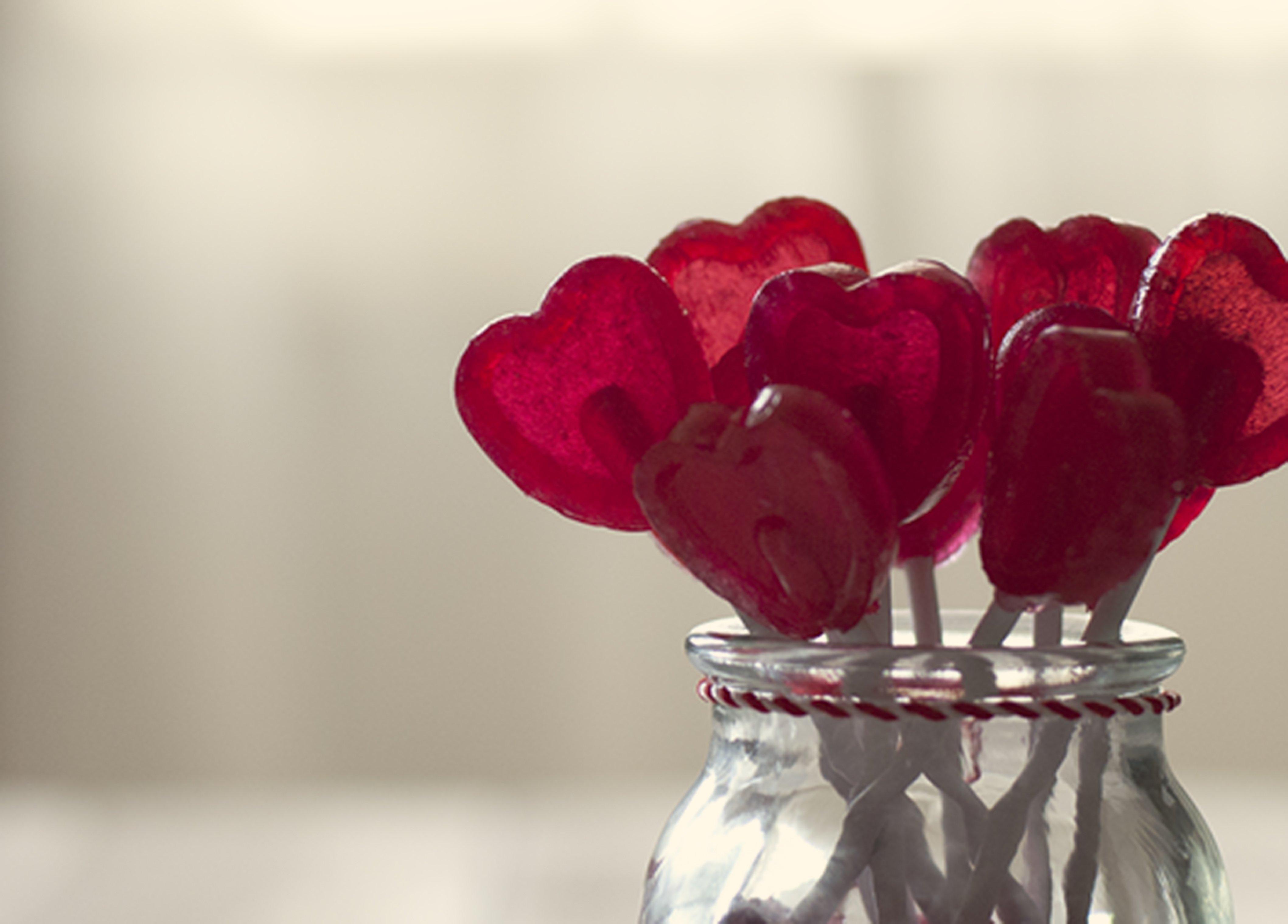 heart-lollipops.jpg
