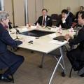 Kerryt bloggerek kérték, hogy segítsen lebontani a nagy kínai tűzfalat - kapott is érte rendesen