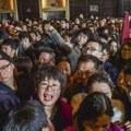 Elképesztő tömeg, kilométeres sorok, ilyen a sűrűn lakott Délkelet-Kína
