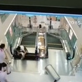 Ismét ölt a mozgólépcső Kínában! (18+)
