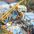 Eldőlt toronydaru ölt meg sok embert Dél-Kínában