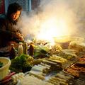 Pekingben több száz grillezőt semmisítettek meg a füst (vagy az ujgurok) miatt