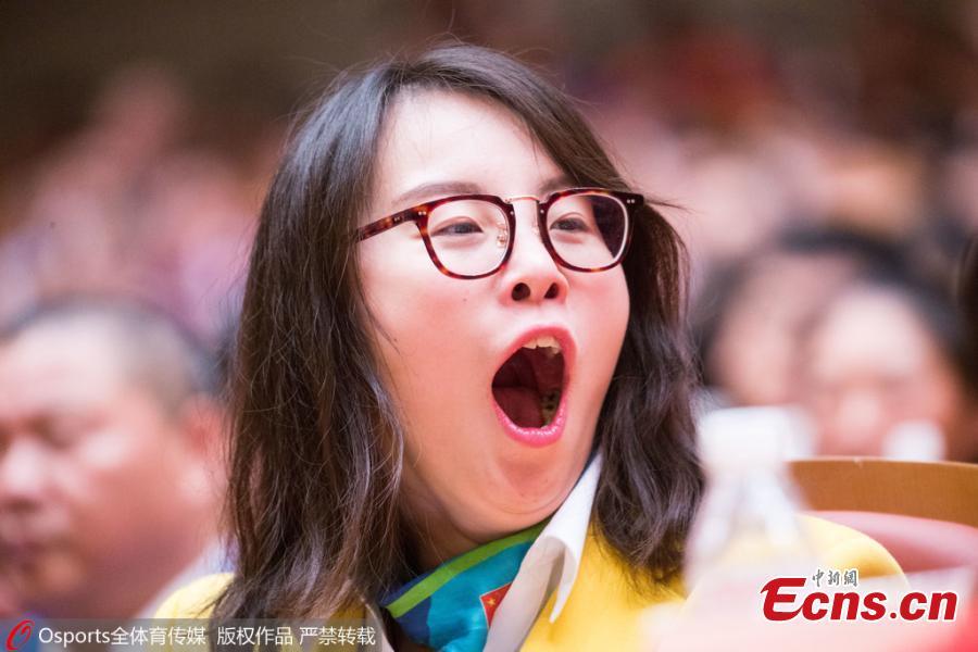 fu_juan-hui_grimasz_kinai_uszono-3.jpg