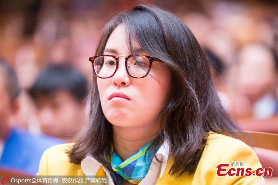fu_juan-hui_grimasz_kinai_uszono-4.jpg