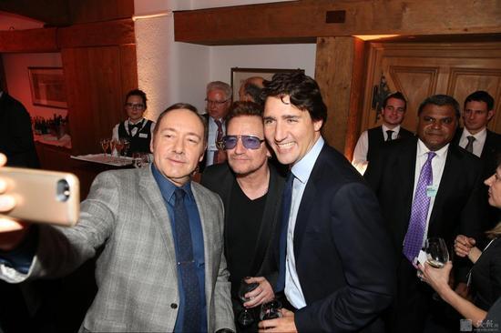 jack_ma_davos_party-2.jpg