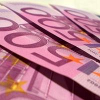 Az 500 eurósok mentették meg az eurózónát