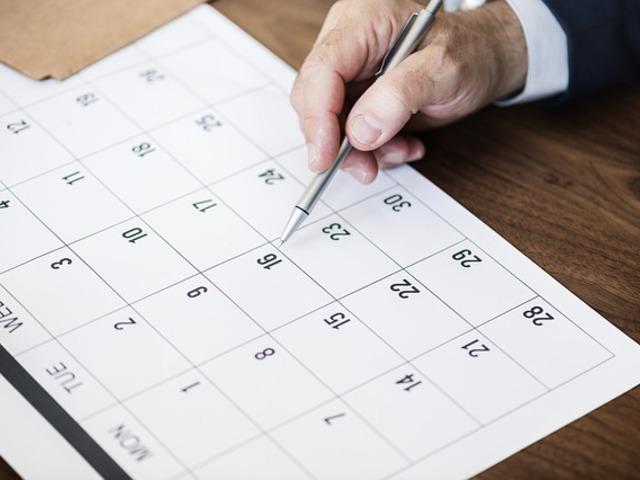 Bérbeadóként milyen teljesítési és fizetési határidőt írjak a számlára?