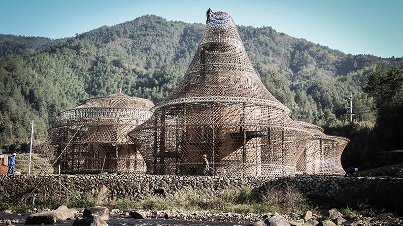 anna-heringer-studio-bamboo-hostel-biennale-china-designboom-02-818x459.jpg
