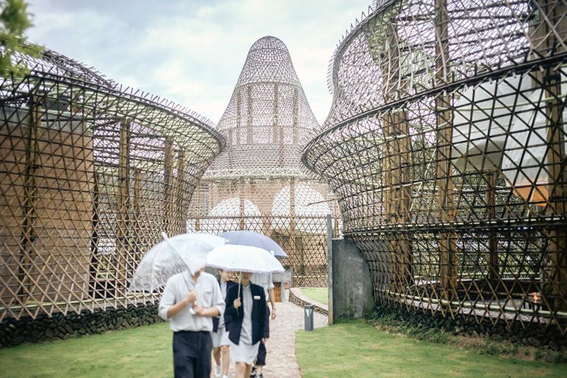 anna-heringer-studio-bamboo-hostel-biennale-china-designboom-03.jpg