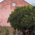 Elhagyatott borászatból családi ház