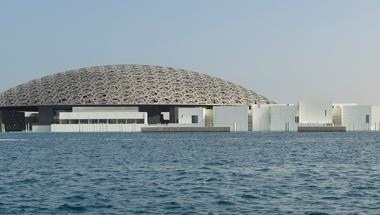 LouvreAbu Dhabi, az Egyesült Arab Emírségek új múzeuma