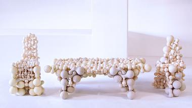 Bútorok amorf elemekből