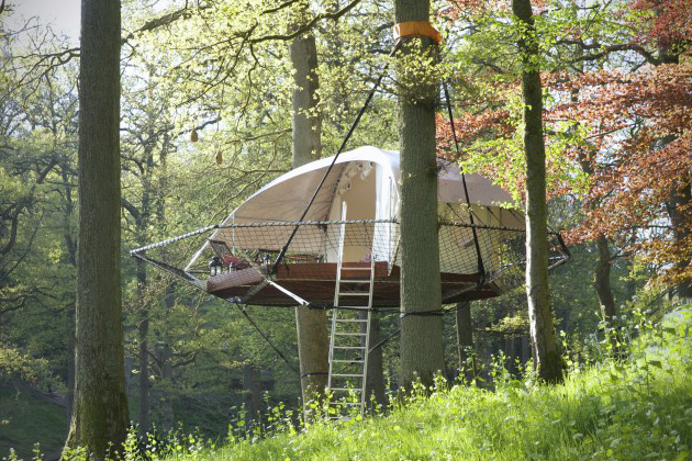 domup-suspension-style-treehouse-cabin-6.jpg